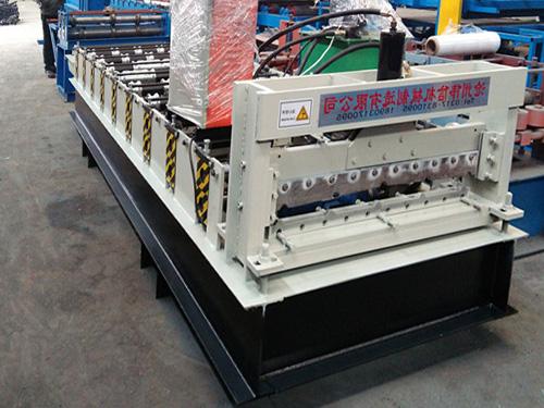 解决压瓦机生产尺寸出现长短不一现象